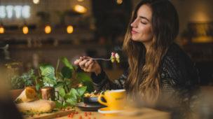 3 pontos importantes para começar a praticar o comer consciente - Imagem Destaque