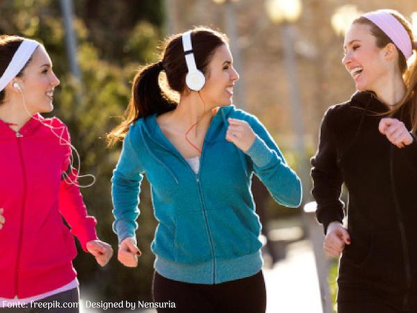 3 dicas para caminhar e não desistir - Meninas caminhando