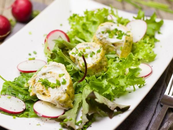 Conheça os 10 principais benefícios da alface - Prato de salada