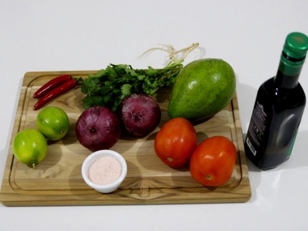 Cristina Mary Nutri - Receita de Guacamole - Ingredientes