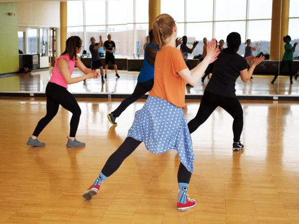 7 dicas para emagrecer sem sofrer - Aula de dança